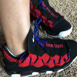 Texas Nike basketball shoes